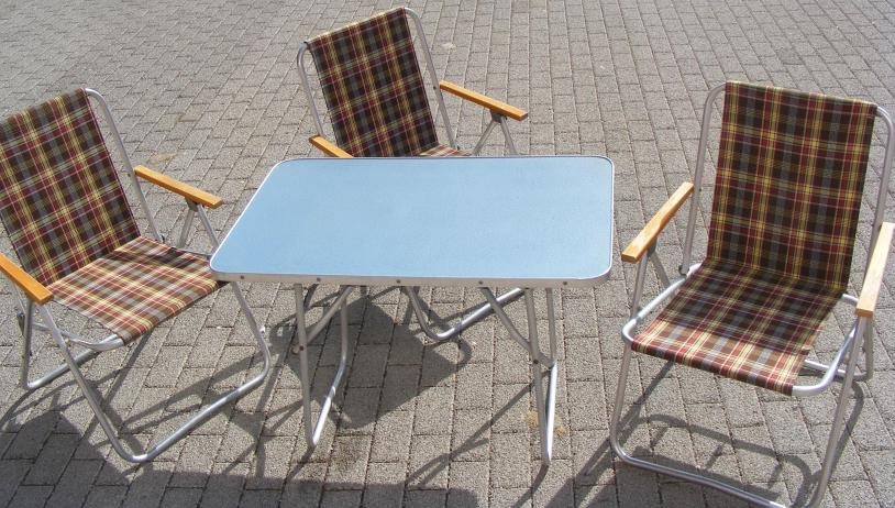ddr campingtisch blau um 1965 gartentisch klapptisch ebay. Black Bedroom Furniture Sets. Home Design Ideas