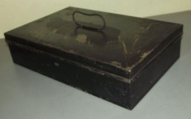 kassette blechkassette blechkiste riegel verschlu f r kleines schloss um 1930 ebay. Black Bedroom Furniture Sets. Home Design Ideas